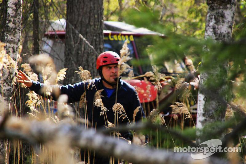 Sergei Volkov threading through the trees