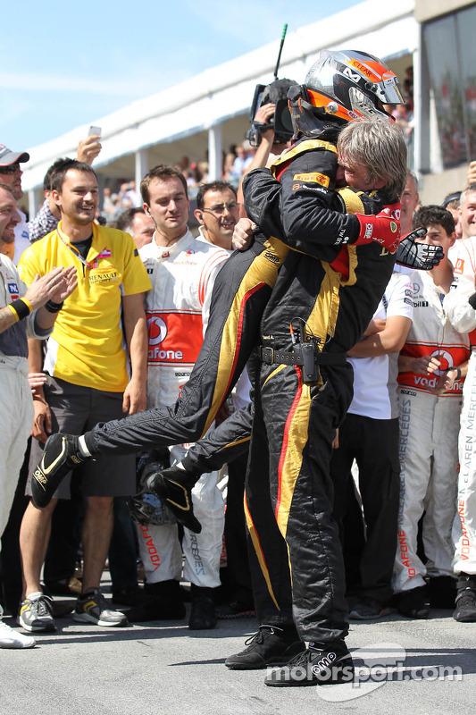 2nd place Romain Grosjean, Lotus Renault F1 Team
