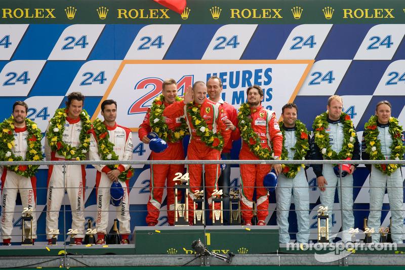 LMGTE Pro podium: winnaars in klasse Giancarlo Fisichella, Gianmaria Bruni, Toni Vilander, 2de Frede