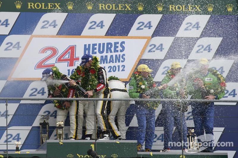 LMGTE Am podium: winnaars in klasse Patrick Bornhauser, Julien Canal, Pedro Lamy, 2de Anthony Pons,