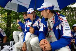 Anthony Davidson, Stéphane Sarrazin and Sébastien Buemi