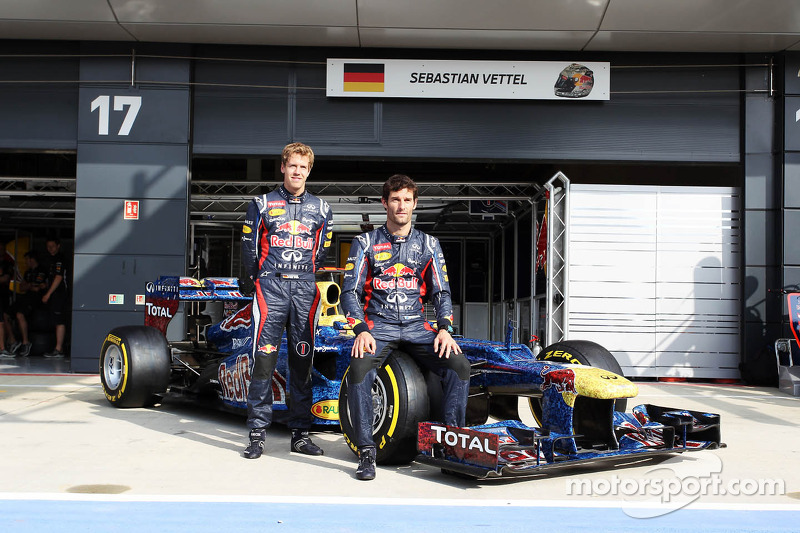 Sebastian Vettel, Red Bull Racing en Mark Webber, Red Bull Racing met de Red Bull Racing RB8 met kle