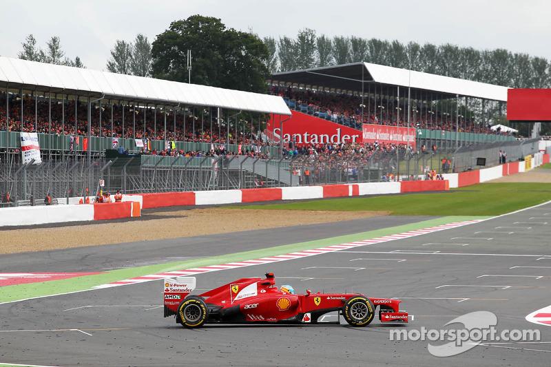 Fernando Alonso, Ferrari spint in de laatste bocht