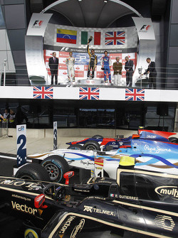Podium: race winner Esteban Gutierrez, second place Johnny Cecotto, third place Jolyon Palmer