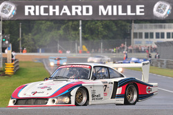 #27 Porsche 935: Manfred Freisinger, Emmanuel Collard, Romain Dumas