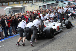 Pit stop practice with fans