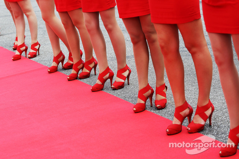 Grid girls on the drivers parade