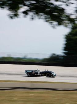 #8 1965 Lola T70 MkI : Byron DeFoor