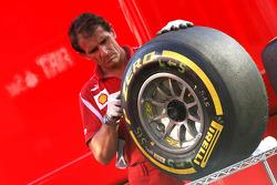 Scuderia Ferrari mechanic, Pirelli tire