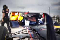 David Coulthard pilota el Red Bull de F1 por Nueva York