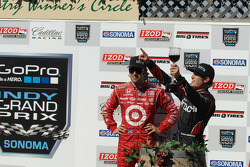 Victory lane: race winner Ryan Briscoe, third place Dario Franchitti