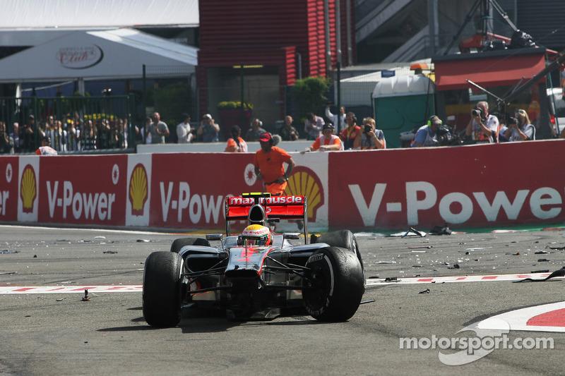 Lewis Hamilton, McLaren na start crash
