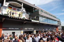 Podium: Sebastian Vettel, Red Bull Racing, Jenson Button, McLaren Mercedes en Kimi Raikkonen,