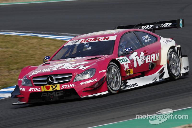 Susie Wolff, entonces Stoddart, utilizó este color en su Mercedes AMG C-Coupe en el DTM 2012 con Persson Motorsport