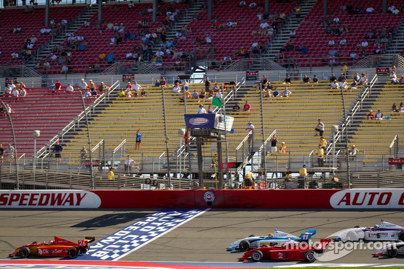 Groene vlag: Carlos Munoz, Andretti Autosport aan de leiding