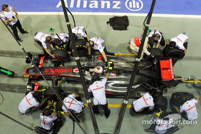 Lewis Hamilton, McLaren oefent pitstop