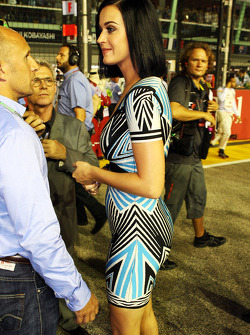 Katy Perry, Singer on the grid