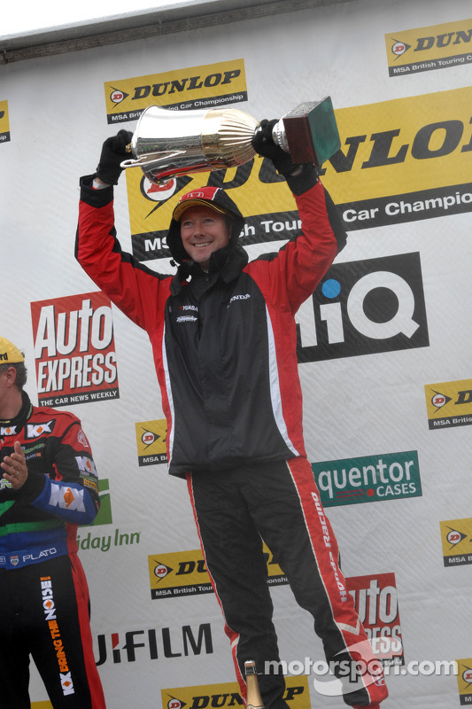 Round 23 Race Winner Gordon Shedden