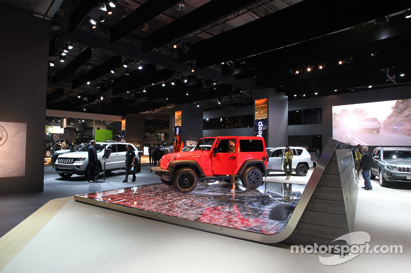 Jeep Stand