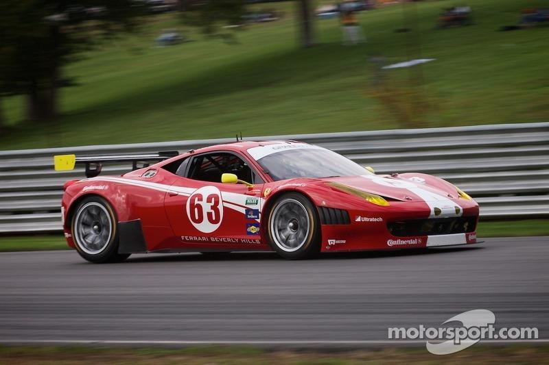 #63 Scuderia Corsa Ferrari 458: Alessandro Baizan, J van Overbeek