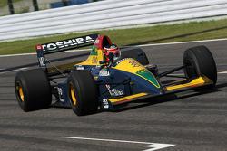 Aguri Suzuki dans la Lola 90 avec laquelle il a terminé troisième du GP du Japon 1990
