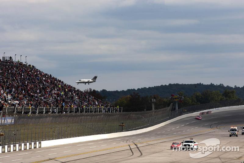 Kurt Busch, Phoenix Racing Chevrolet spin