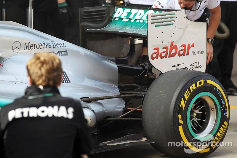 Michael Schumacher, Mercedes AMG F1 exhaust and rear suspension detail