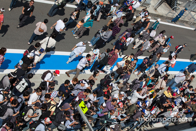 Fans in de pitlane