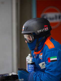 Gulf Racing pit crew member