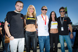 Jakub Giermaziak, Henrique Cisneros and Mario Farnbacher with the charming Momo girls