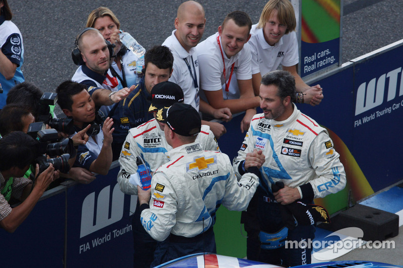 Robert Huff, Chevrolet Cruze 1.6T, Chevrolet, Alain Menu, Chevrolet Cruze 1.6T, Chevrolet and Yvan Muller, Chevrolet Cruze 1.6T, Chevrolet