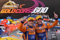 Winnaars Will Davison en Mika Salo, Trading Post FPR Ford