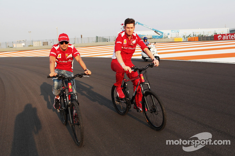 Felipe Massa, Ferrari op het circuit met Rob Smedley, Ferrari Race Engineer