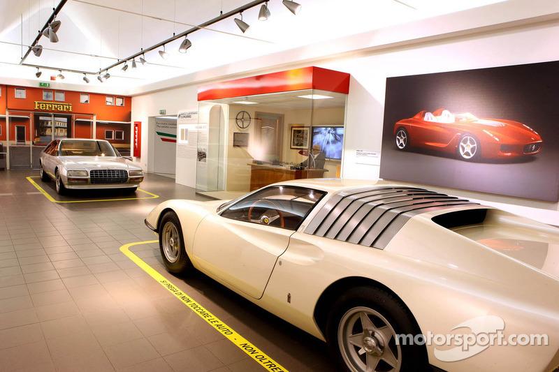 Beroemde Ferrari's ontworpen door Pininfarina
