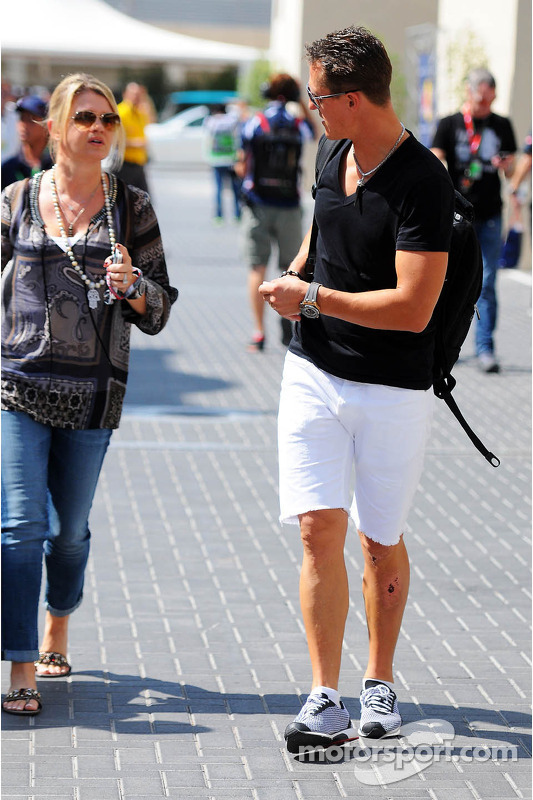 Michael Schumacher, Mercedes AMG F1 with wife Corinna Schumacher at Abu Dhabi GP