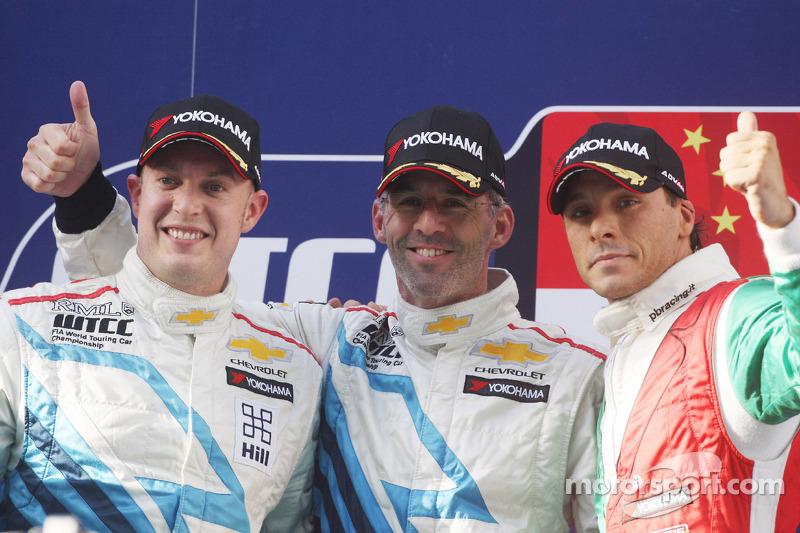 2nd position Robert Huff, Chevrolet Cruze 1.6T, Chevrolet, meny race winner and 3rd position Stefano D'Aste, BMW 320 TC, Wiechers-Sport