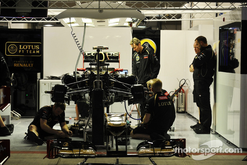 Lotus F1 garaje
