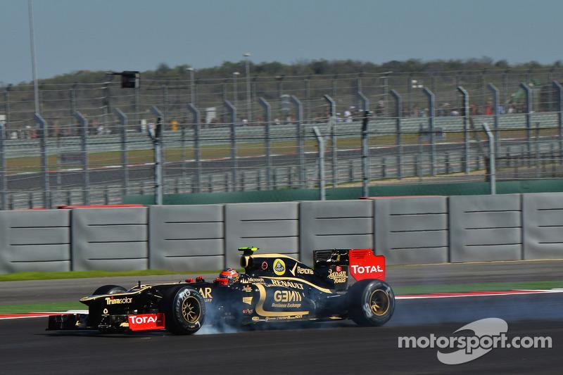 Romain Grosjean, Lotus F1 locks up under braking