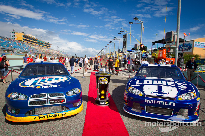 Championship contenders for the 2012 NASCAR Sprint Cup Series: cars of Brad Keselowski, Penske Racing Dodge and Jimmie Johnson, Hendrick Motorsports Chevrolet