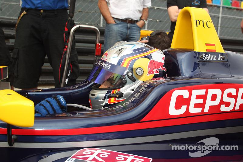 Карлос Саинс-мл.. ГП Макао, субботняя гонка.