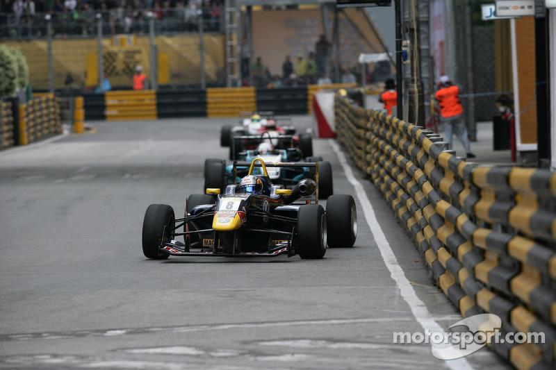 Карлос Саинс-мл.. ГП Макао, воскресная гонка.