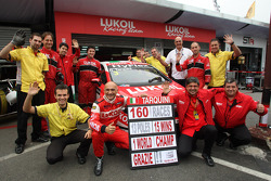 Gabriele Tarquini, SEAT Leon WTCC, Lukoil Racing Team celebrates his last race with Seat