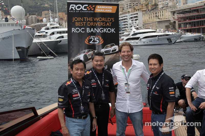 Organisator Fredrik Johnsson presenteert de Race of Champions in Bangkok