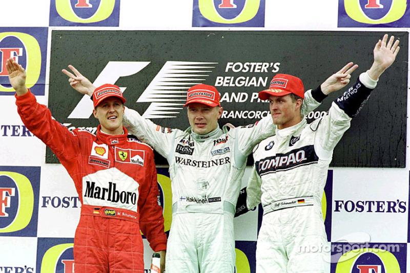 Ральф Шумахер, Михаэль Шумахер и Мика Хаккинен. ГП Бельгии, Воскресенье, после гонки.