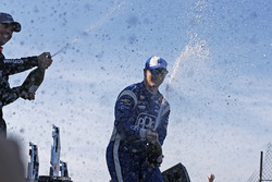 Подіум: переможець Джозеф Ньюгарден, Team Penske Chevrolet, друге місце Вілл Пауер, Team Penske Chevrolet