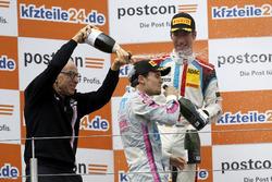 Podium: Peter Mücke und Lucas Auer, Mücke Motorsport