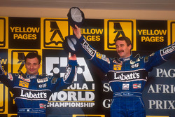 Podyum: Yarış galibi Nigel Mansell, Williams, 2. Riccardo Patrese, Williams
