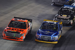 Cody Coughlin, ThorSport Racing Toyota and Chase Briscoe, Brad Keselowski Racing Ford