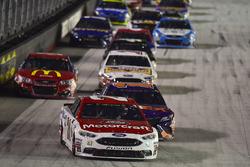 Ryan Blaney, Wood Brothers Racing Ford, Denny Hamlin, Joe Gibbs Racing Toyota, Jamie McMurray, Chip Ganassi Racing Chevrolet