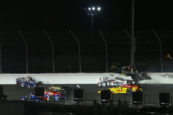 Ed Carpenter, Ed Carpenter Racing Chevrolet, Will Power, Team Penske Chevrolet crash in turn two at the start